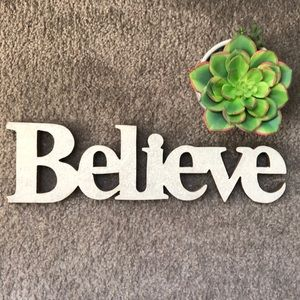 Believe Sparkly Sign